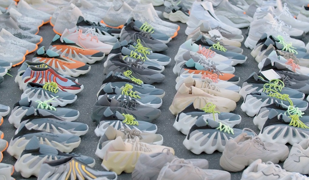 Best fake Yeezys collection